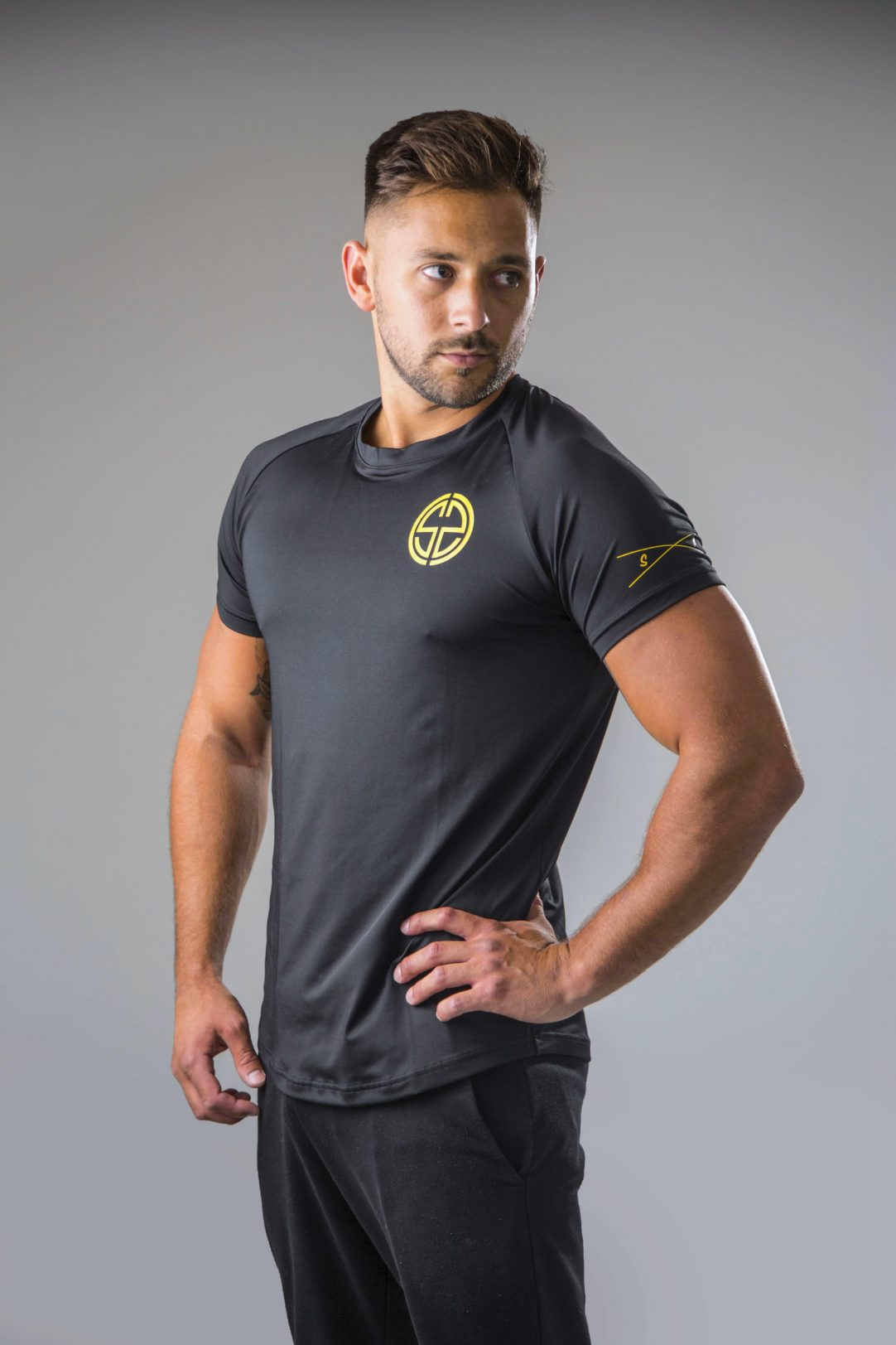 mens dry fit t-shirt in black and yellow | symmetry athletics